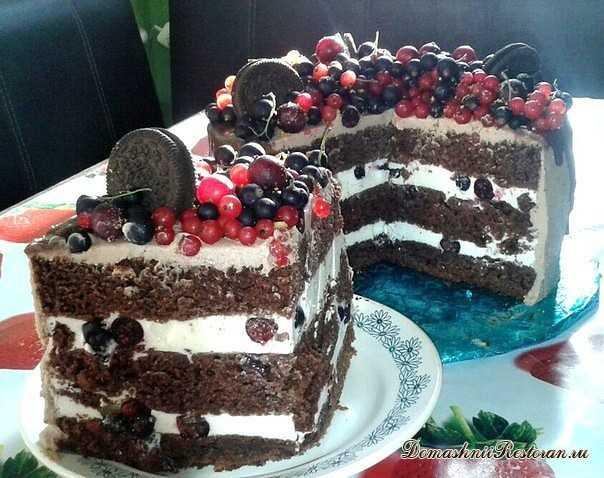Шоколадный торт с творожным суфле