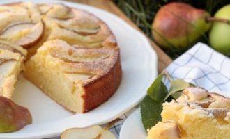 шарлотка с яблоками и грушей