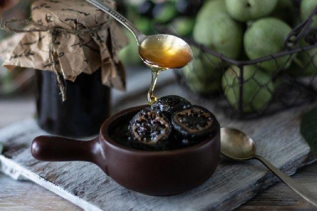 готовое варенье из зеленыз грецких орехов